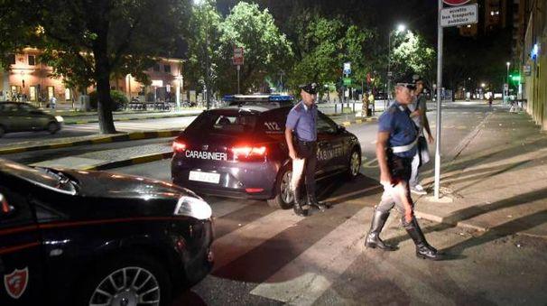 I carabinieri in piazzale Stazione