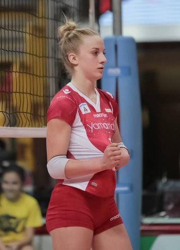 La palleggiatrice Sofia Monza con la maglia di Busto
