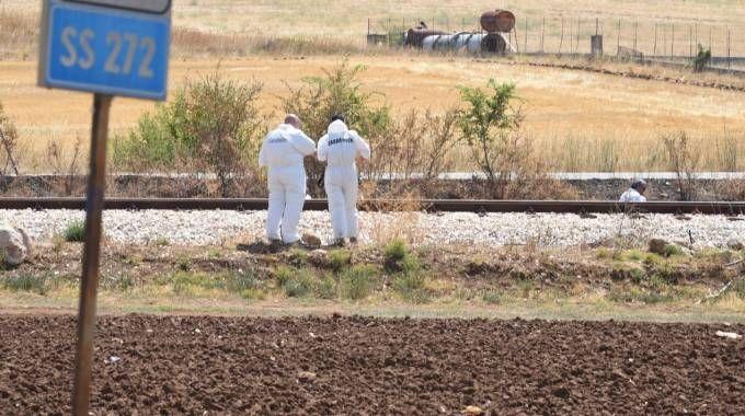 Agguato a Foggia, 4 morti. Gli inquirenti sul luogo della sparatoria (Ansa)