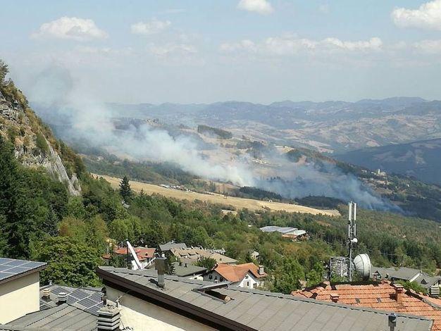 Stanno arrivando vigili del fuoco da mezza provincia