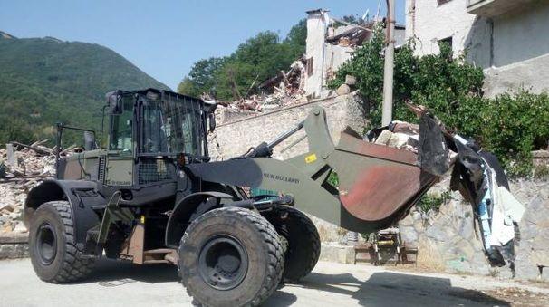 I mezzi militari in azione ad Arquata
