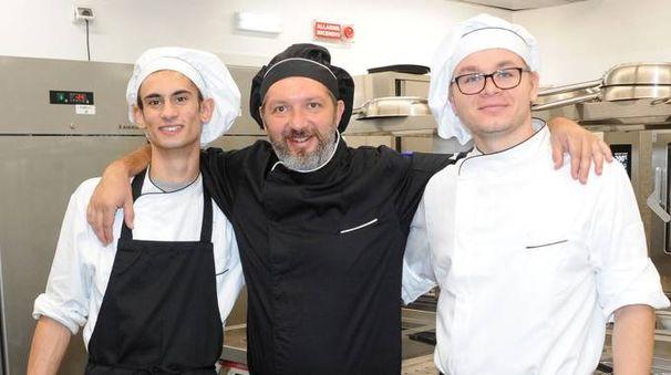 I cuochi del Toc, al centro lo chef Roberto Micheli (FotoSally)