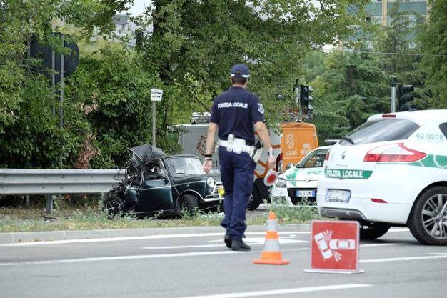 Incidente tra auto d'epoca e furgone: morto 31enne in via Campazzino (NewPress)