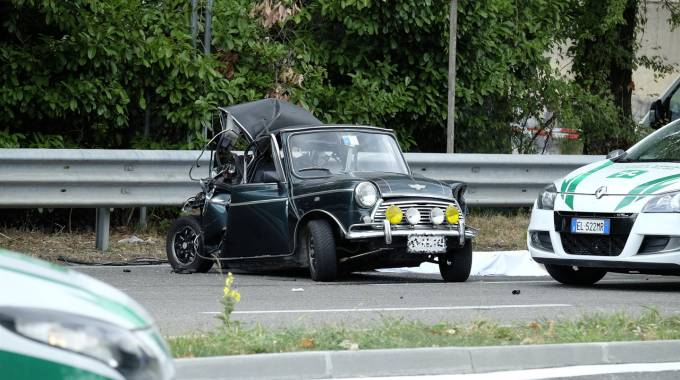 INCIDENTE AUTO EPOCA_24642503_105923