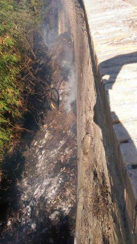 Dopo aver spento le fiamme la zona è stata bonificata (Foto Cruciani)