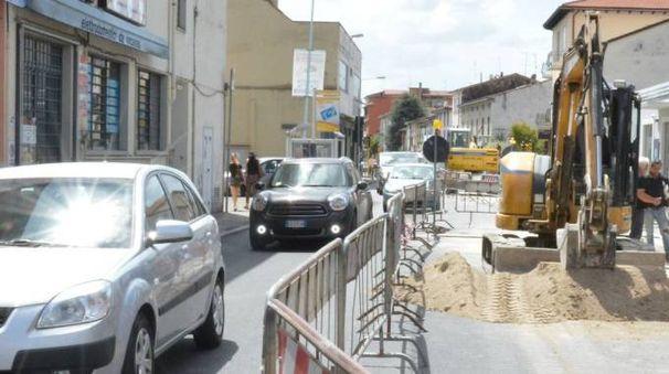 Lavori in via Valentini (foto Pecchioli/Attalmi)