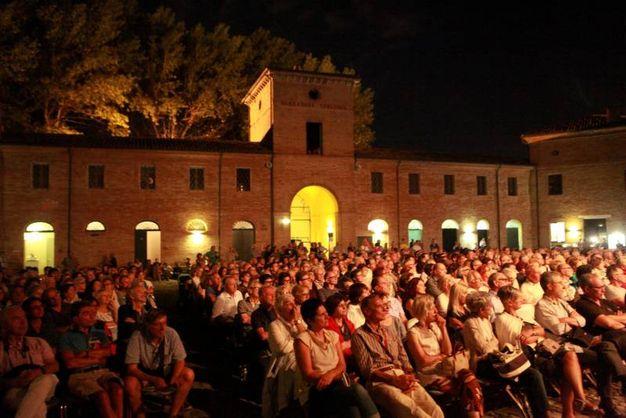 Record di persone a Villa Torlonia per lo storico processo (foto Ravaglia)