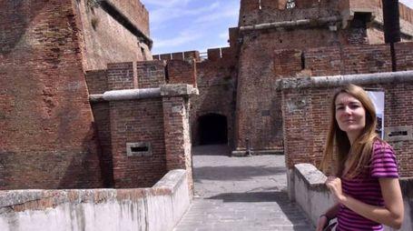 Il suggestivo ingresso della Fortezza Nuova, spesso affollata di turisti