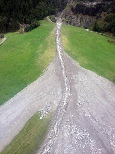 I danni causati dal forte  maltempo a Ollomont, in provincia di Aosta (Ansa)