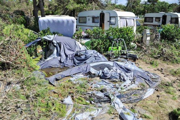 Un fermo immagine tratto da un video dei Vigili del Fuoco che hanno sorvolato il litorale veneto colpito da un nubifragio che ha provocato numerosi danni alle strutture turistiche (Ansa)