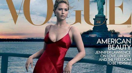 Jennifer Lawrence sulla copertina di Vogue (Ansa)