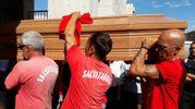 Il bagnino è morto lunedì mattina nelle operazioni di salvataggio di tre turisti milanesi (Foto Petrelli)