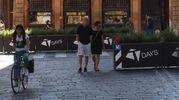Impediscono il passaggio  a chi non è autorizzato a percorrere le vie Indipendenza, Ugo Bassi e Rizzoli durante i weekend (foto Schicchi)