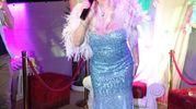 Ilona Staller si esibisce al Maki Maki (foto Umicini)