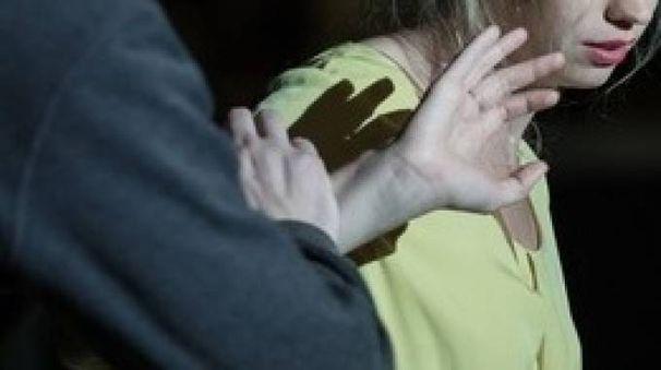 MESI D'INFERNO Una donna di Roseto perseguitata e picchiata dal suo ex compagno