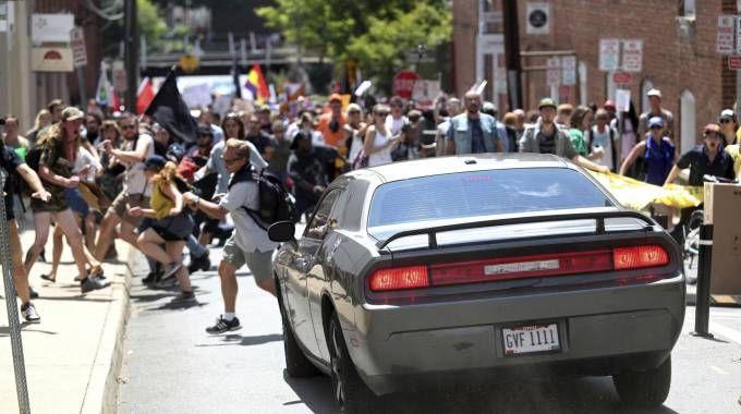 Charlottesville, auto sulla folla (Ansa)