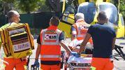 Sul posto sono arrivate un'ambulanza, l'automedica e l'elisoccorso (Foto Migliorini)