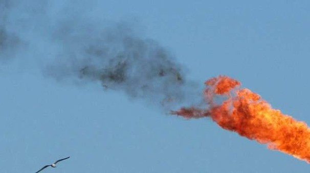 Petrolio:in lieve rialzo a 46,86 dollari
