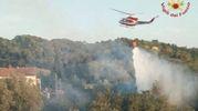 Elicotteri in azione a Montopoli per un vasto incendio