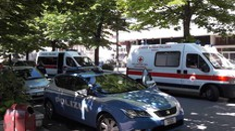 Sul posto sono subito intervenuti polizia e ambulanze (foto di repertorio)