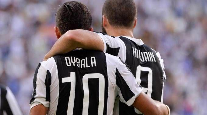 Gonzalo Higuain e Paulo Dybala, protagonisti nel 3 a 0 al Cagliari