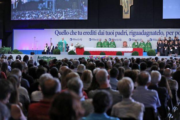 I fedeli alla messa (foto Petrangeli)