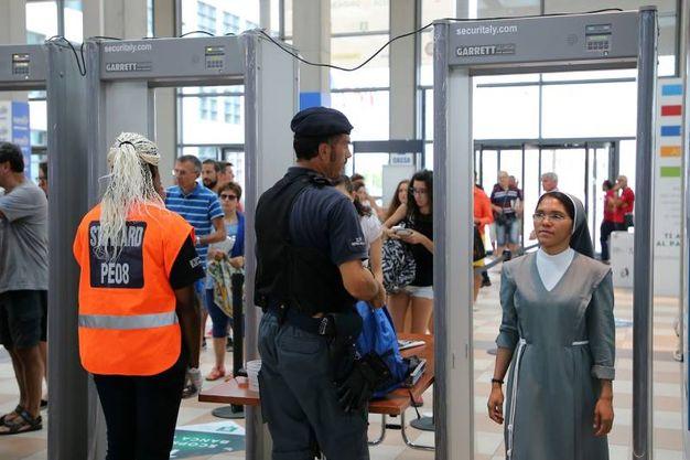 Dopo gli attentati degli ultimi giorni si è deciso di aumentare ulteriormente le misure di sicurezza per la manifestazione (foto Petrangeli)