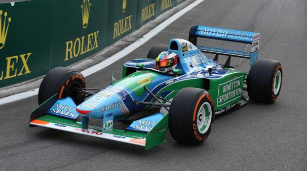 Mick Schumacher sulla Benetton B194 di papà Michael (Lapresse)