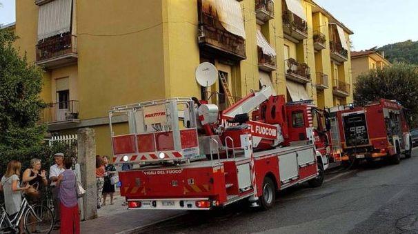 Ascoli, incendio in un appartamento. Evacuati tutti i residenti