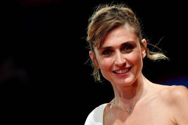 La produttrice francese Julie Gayet (Ansa)