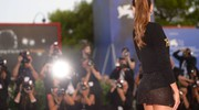 Mostra del cinema di Venezia, Izabel Goulart sul red carpet (Afp)