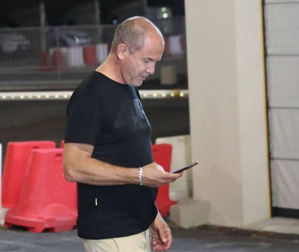 Il manager di Valentino, Alberto Tebaldi, fuori dall'ospedale di Urbino (Fotoprint)