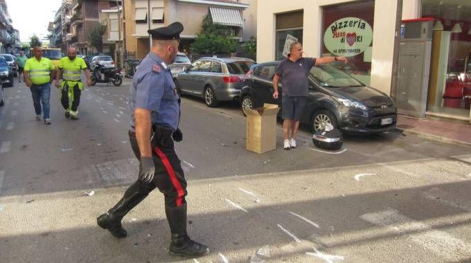 I carabinieri sul luogo del sinistro (foto Sgattoni)
