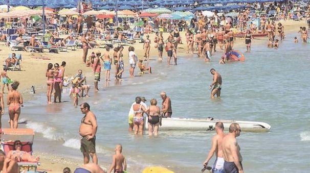 Spiaggia affollata