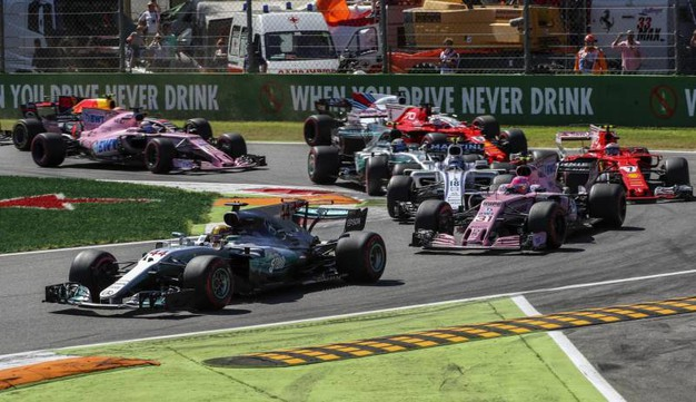 La partenza del Gran Premio di Monza (Ansa)