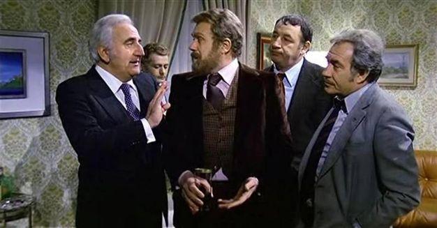 Gastone  Moschin (al centro) nel ruolo del Melandri in Amici miei (1975), in una immagine tratta da Wikipedia (ANSA/WIKIPEDIA)