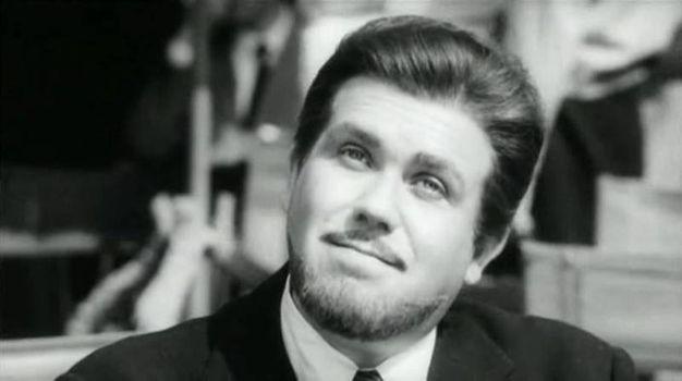 Gastone  Moschin nel ruolo del ragionier Bisigato in Signore & signori (1965), in una immagine tratta da Wikipedia (ANSA/WIKIPEDIA)