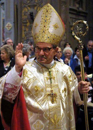 Il cardinale Caffarra (foto Ansa)