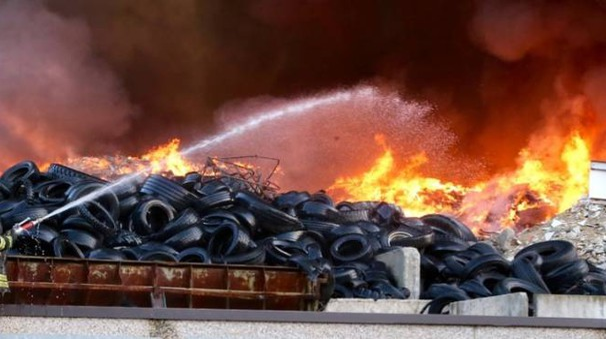 L'intervento dei vigili del fuoco (Sacchiero)