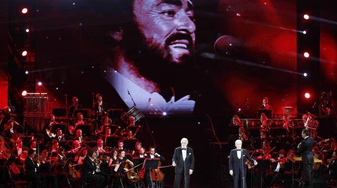 Il concerto evento per Luciano Pavarotti (Foto LaPresse)