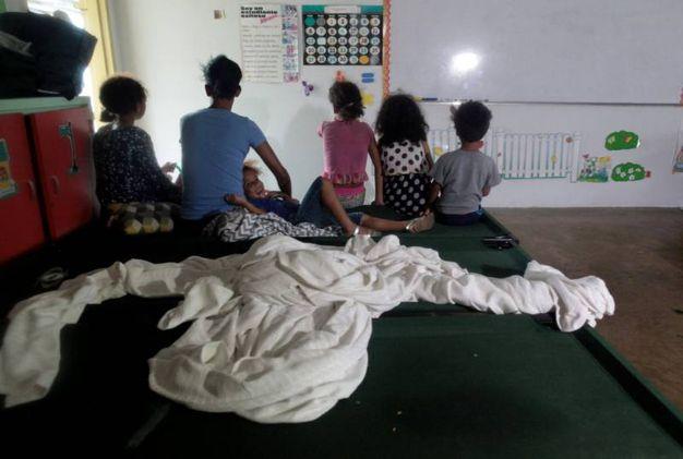 Famiglie evacuate a Puerto Rico (Lapresse)