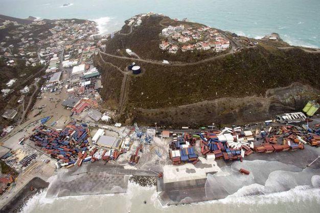 Saint Martin vista dall'elicottero (Afp)