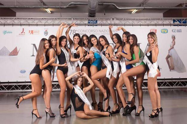 Il gruppo delle ragazze emiliano-romagnole (foto Miss Italia)