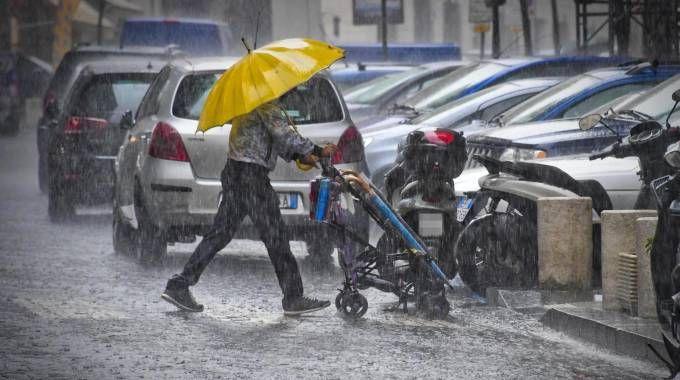 Previsioni meteo, temporali e forte pioggia sull'Italia. E' allerta (foto Ansa)