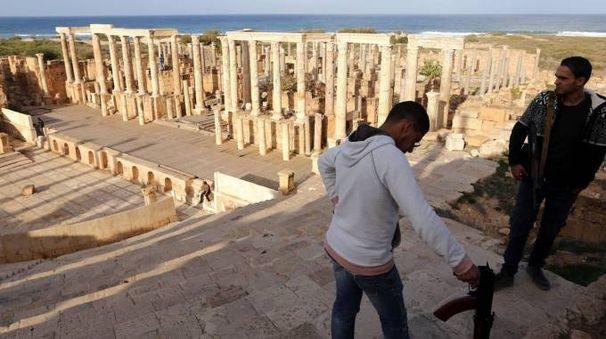 L'imprenditore viareggino Arnaldo Guidotti vuole riportare alla luce l'antico porto di Leptis Magna in Libia