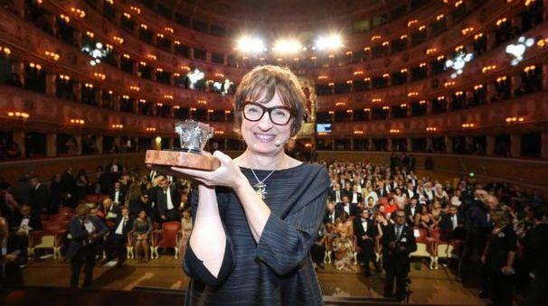 Donatella di Pietrantonio vince il premio Campiello 2017 (Ansa)