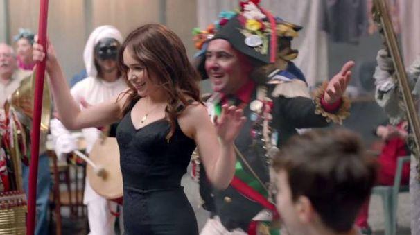 Un'immagine dallo spot di Dolce&Gabbana con Emilia Clarke