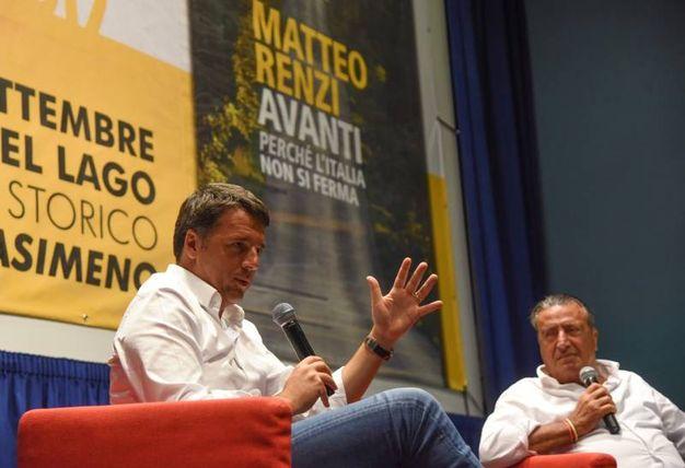 Matteo Renzi a Castiglione del Lago intervistato dal direttore della Nazione, Francesco Carrassi (foto Crocchioni)