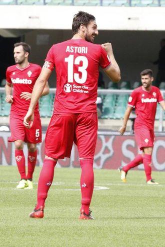 Verona-Fiorentina 0-3, Astori (Ansa)