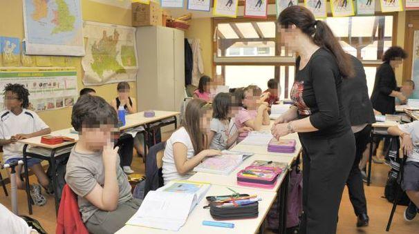 Insegnanti e studenti (foto di repertorio)